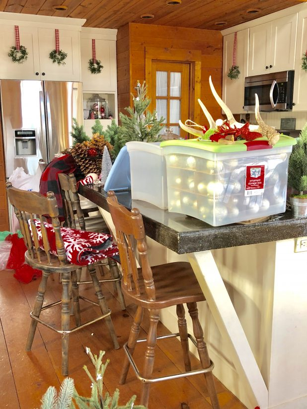 Undecorating: The Christmas Tear Down Mess