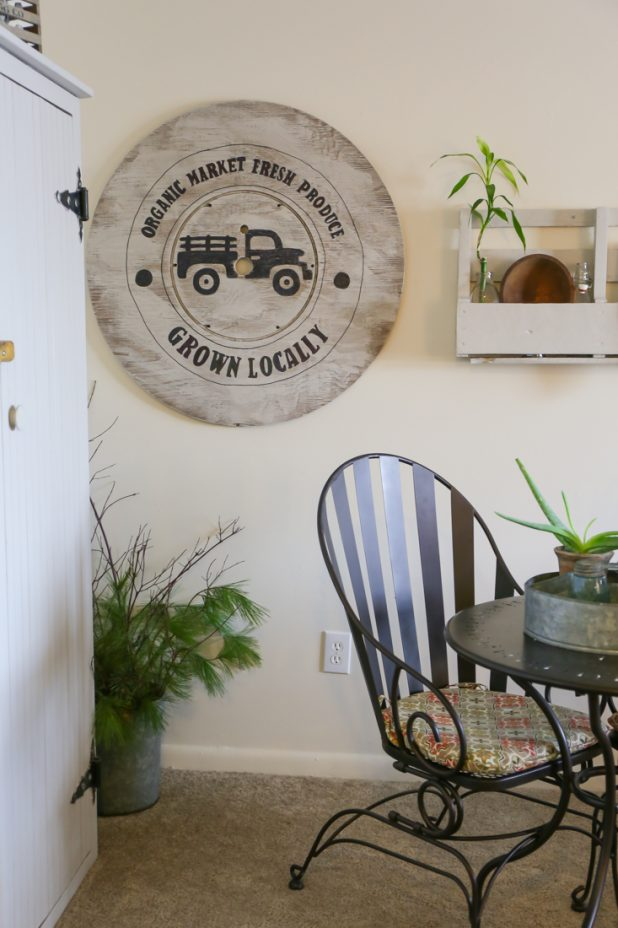 How to Turn an Old Cable or Wire Spool Top Into Farmhouse Wall Art