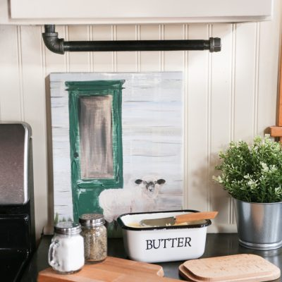 DIY Industrial Farmhouse Paper Towel Holder