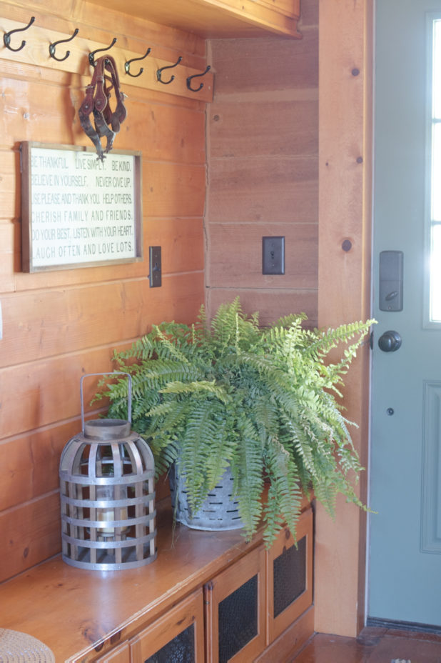 Rustic Farmhouse Entry Way