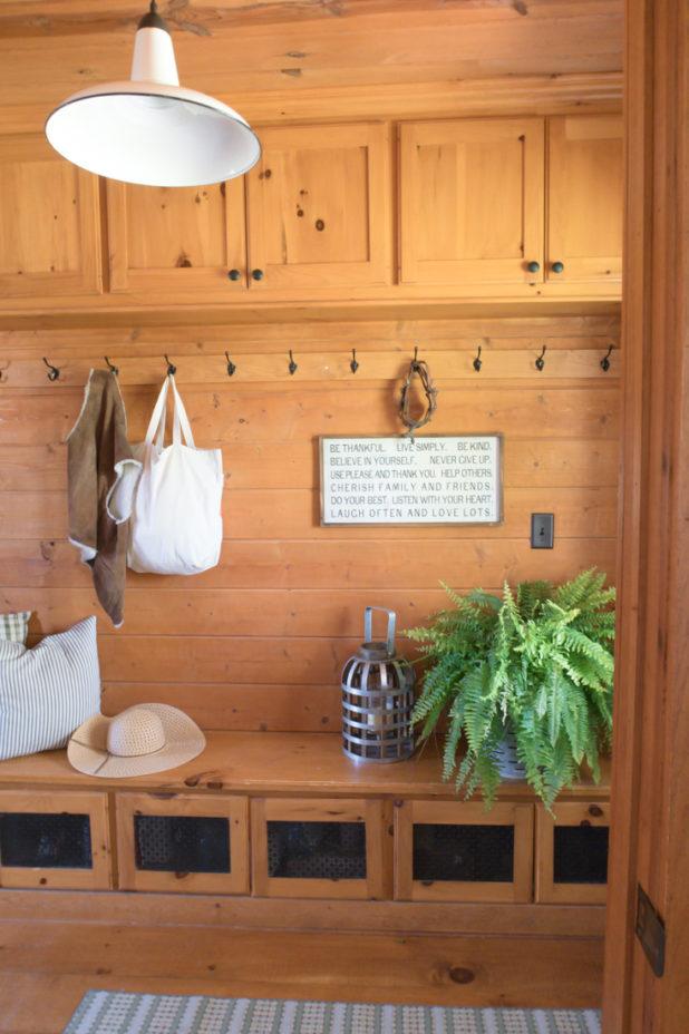 Rustic Farmhouse Entry Way