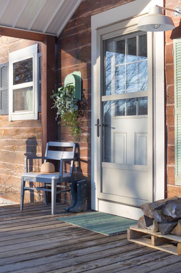 Log Home, Farmhouse Style, Vintage Mailbox Planter, Farmhouse Light Fixture, Porch, Spring