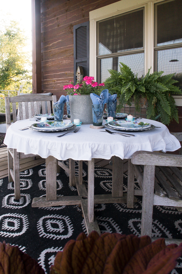 Rustic Glam Outdoor Summer Table Using Melamine